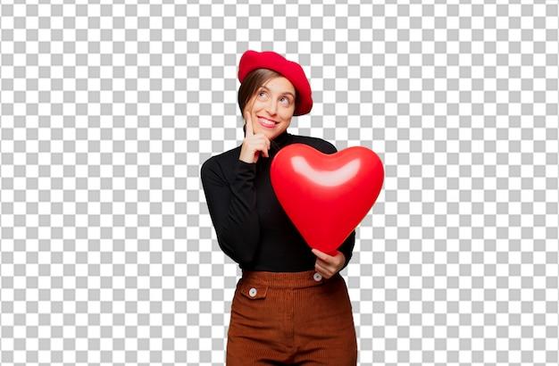 Giovane donna graziosa che esprime concetto di amore per san valentino