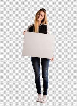 Giovane donna graziosa che tiene un cartello