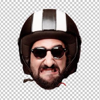 Giovane espressione della testa del ritaglio barbuto pazzo dell'uomo isolata. ruolo di pilota di motociclette. espressione arrabbiata