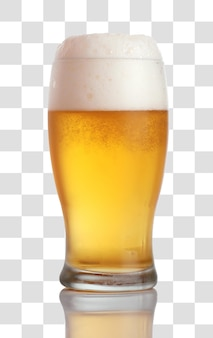 Glas bier close-up met schuim, gelaagd psd-bestand
