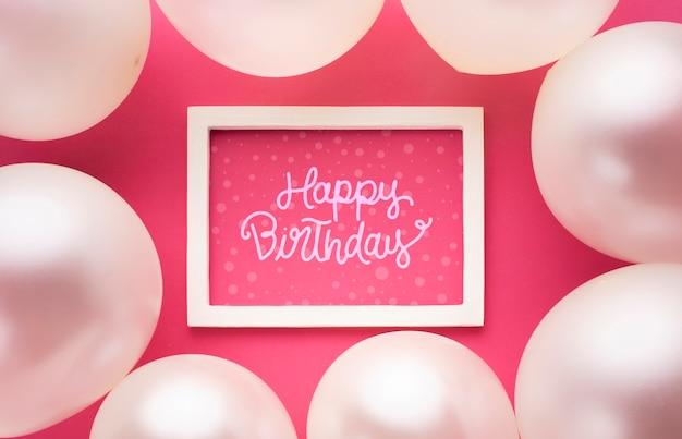 Globos de cumpleaños con marco