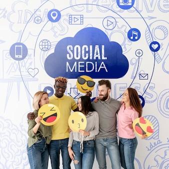 Gruppo di amici dei social media con emoji