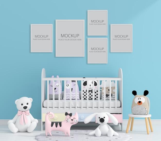 Habitación infantil azul con maqueta de marco
