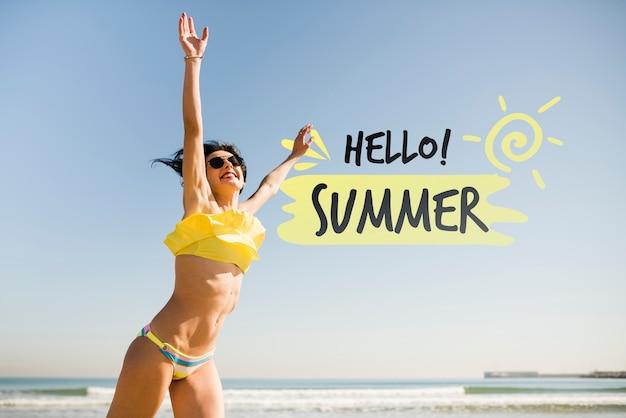 Hallo zomer springen meisje mockup