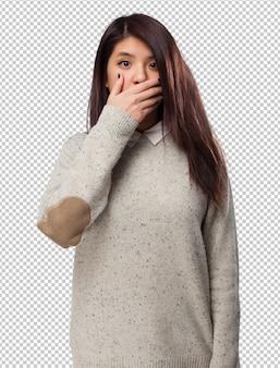 Happy chinese-vrouw bezorgd