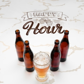 Happy hour con birra artigianale mock-up