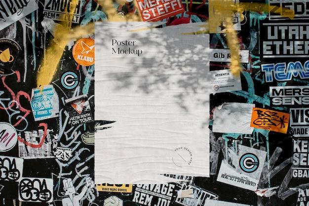 Haveloze poster mockup op stickermuur