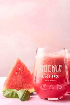 Heerlijke mock-up voor het detox-sapconcept