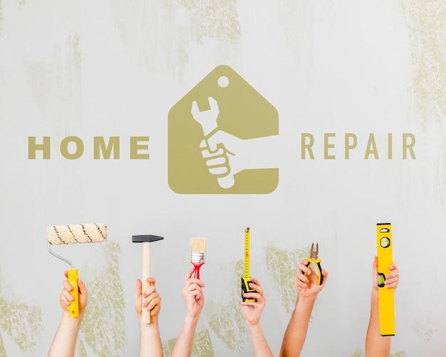 Herramientas de reparación y pintura para la renovación del hogar.