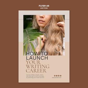 Hoe u uw flyer-sjabloon voor uw schrijfcarrière start