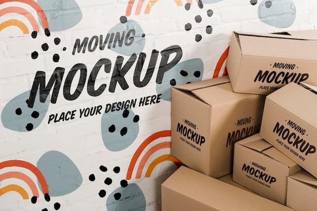 Hoge hoek van verhuisdozen mock-up