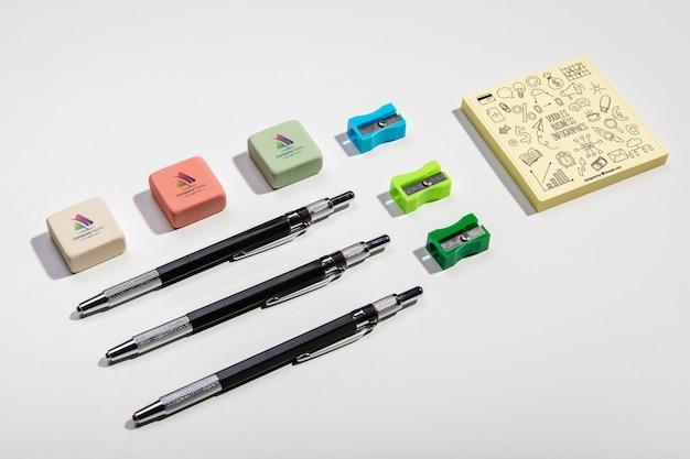 Hoge weergave briefpapier knolling desk concept