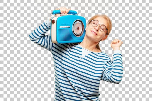 Hogere mooie vrouw met een uitstekende radio