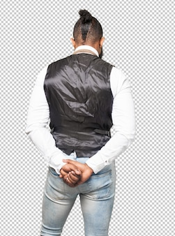Hombre negro fresco hacia atrás