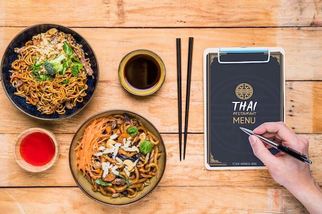 Hoogste mening van het thaise model van het voedselconcept