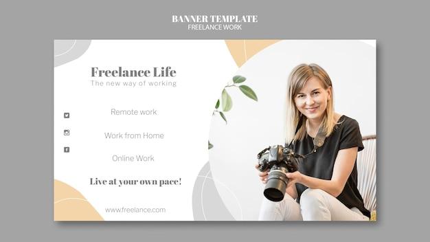 Horizontale banner voor freelance werk met vrouwelijke fotograaf