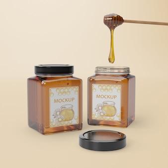 Houten lepel met honing