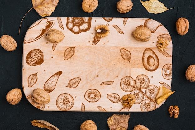 Houten plankmodel met de herfstconcept