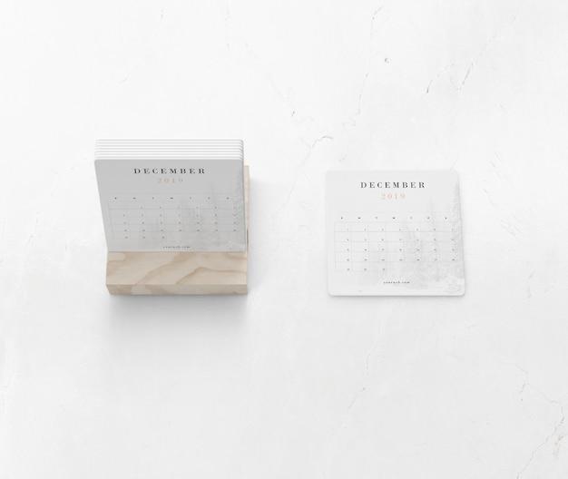 Houten steun voor miniatuurkalender