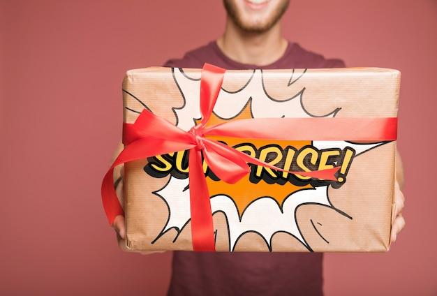 Huidige doos mockup met schenkingsconcept