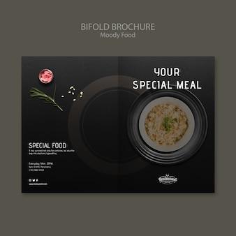 Humeurig voedselrestaurant tweevoudig brochureconcept