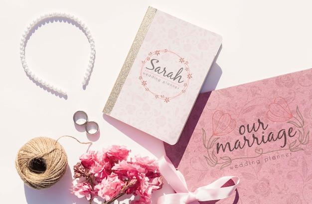 Ideas de boda planas con planificador de bodas y perlas