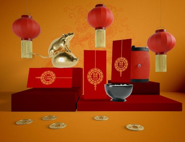 Ilustración del año nuevo chino con tarjetas de felicitación y rata dorada
