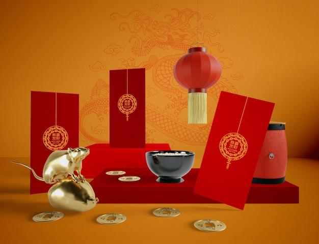 Ilustración del año nuevo chino con tazón de arroz y rata dorada