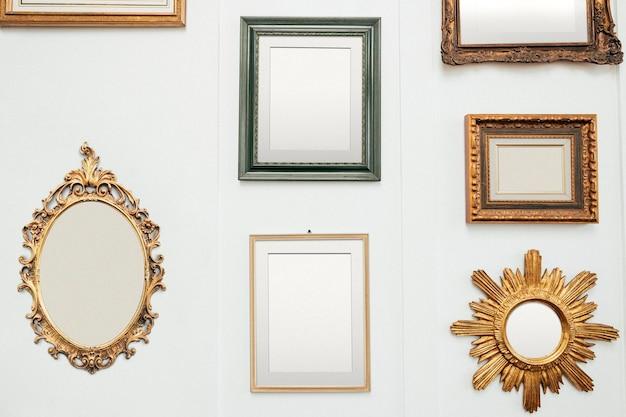 Ilustración de conjunto de maqueta de marcos de cuadros de oro vintage