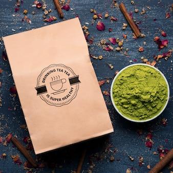 Ingredientes frescos para el té asiático en la mesa