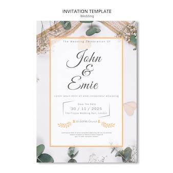 Invitación de boda hermosa con bonitos adornos