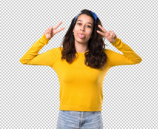 Premium PSD Bestanden | Jong meisje met gele sweater en