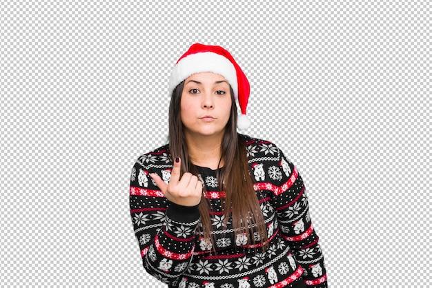 Jonge vrouw het vieren kerstdag