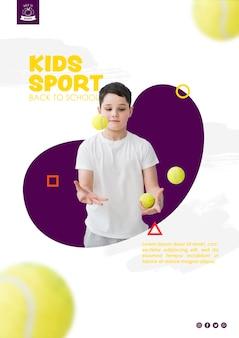Jongen jongleren met tennisballen
