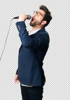 Joven cantando