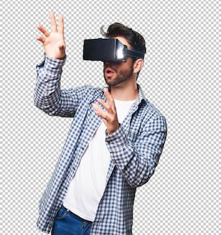 Joven con gafas de realidad virtual