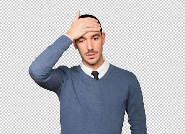 Joven preocupado con un gesto de estrés