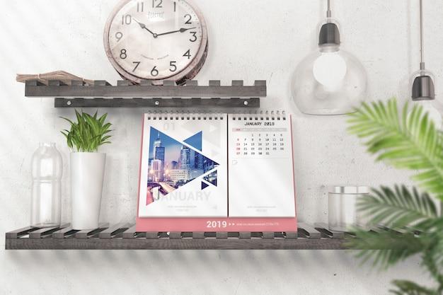 Kalender met pagina's voor inzendingen mockup