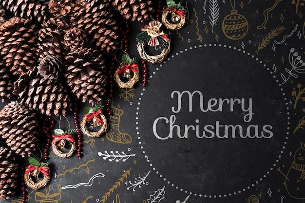 Kegels en kronen voorbereid op kerstmis