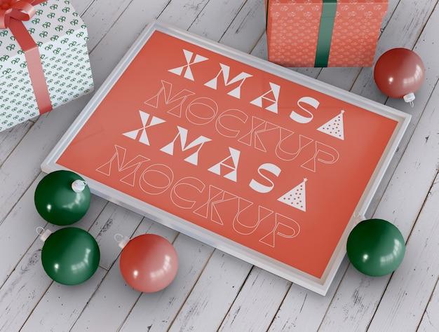 Kerst frame met ornamenten mockup