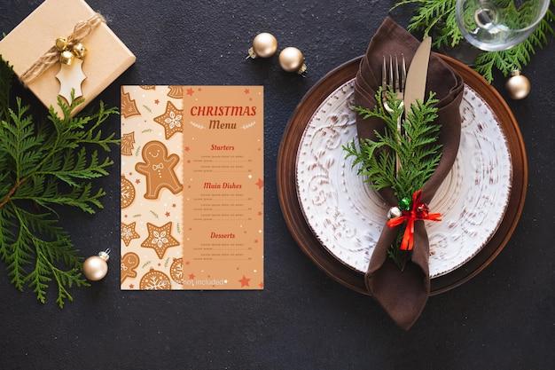 Kerst tafel instelling. achtergrond voor het schrijven van kerst- of nieuwjaarsmenu.