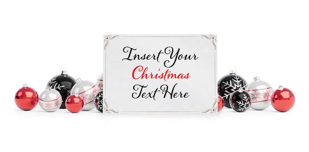 Kerstkaart op wit oppervlak met kerstballen mockup