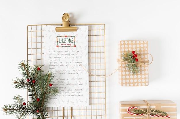 Kerstmenu mockup met klembord