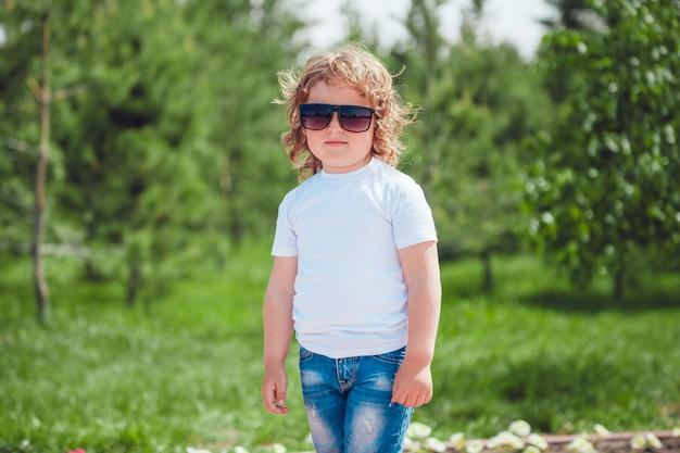 Kinderen tshirt mockup design