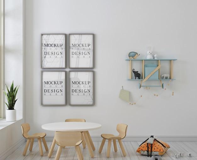 Kindergaten met posterframe mockup en houten chiars
