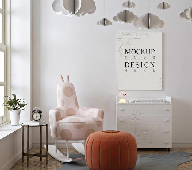 Kinderkamer met mockup-poster en schommelstoel
