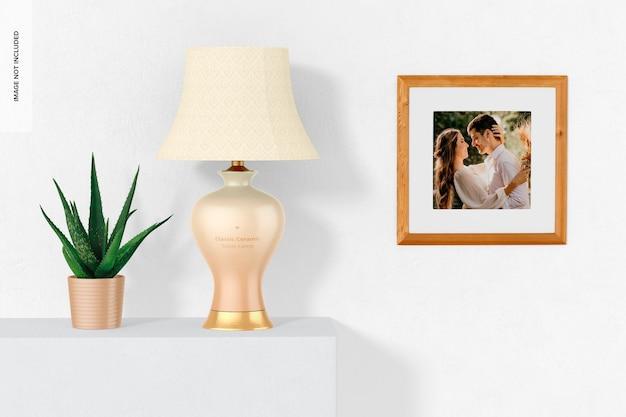 Klassieke keramische tafellamp met een framemodel