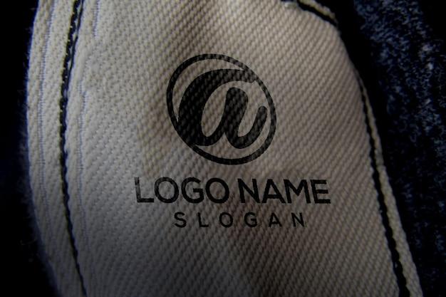 Kledinglabel 3d mockup-logo