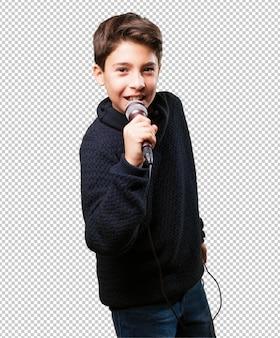 Kleine jongen zingen