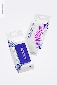 Kleine natte doekjes met plastic dekselverpakkingsmodel, drijvend